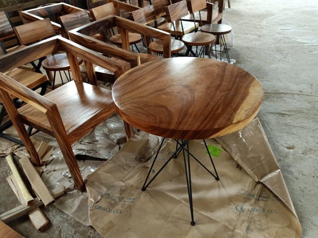 โต๊ะไม้แผ่นเดียว ท็อปวงกลม