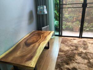 โต๊ะไม้แผ่นเดียว ขอบตรง / ขอบธรรมชาติ